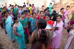 Frå Salhus Tricotagefabrik til tekstilindustri i Bangalore