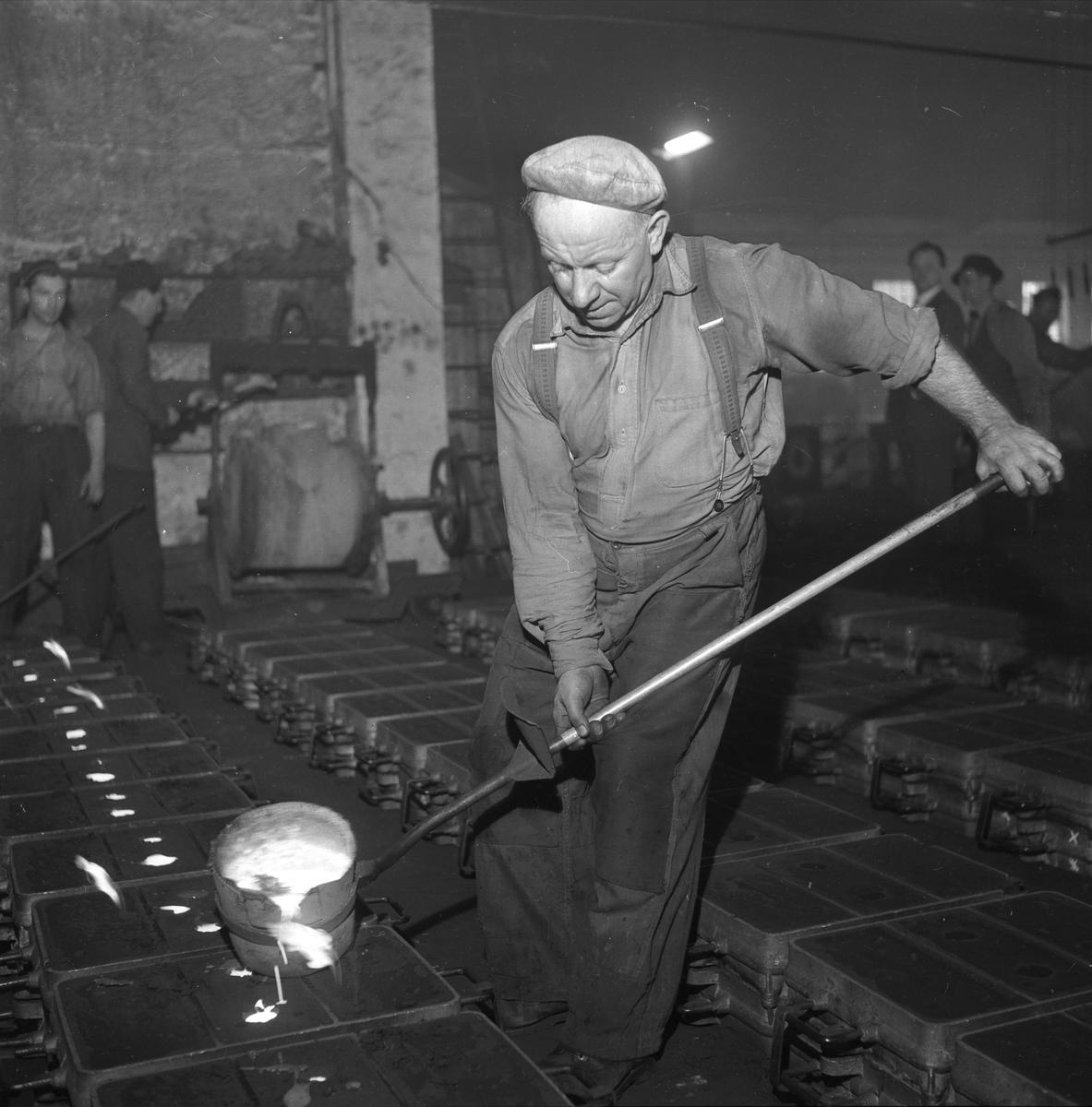 Bærum Verk, arbeidere,  jernstøperiet, Bærum,  09.04.1955