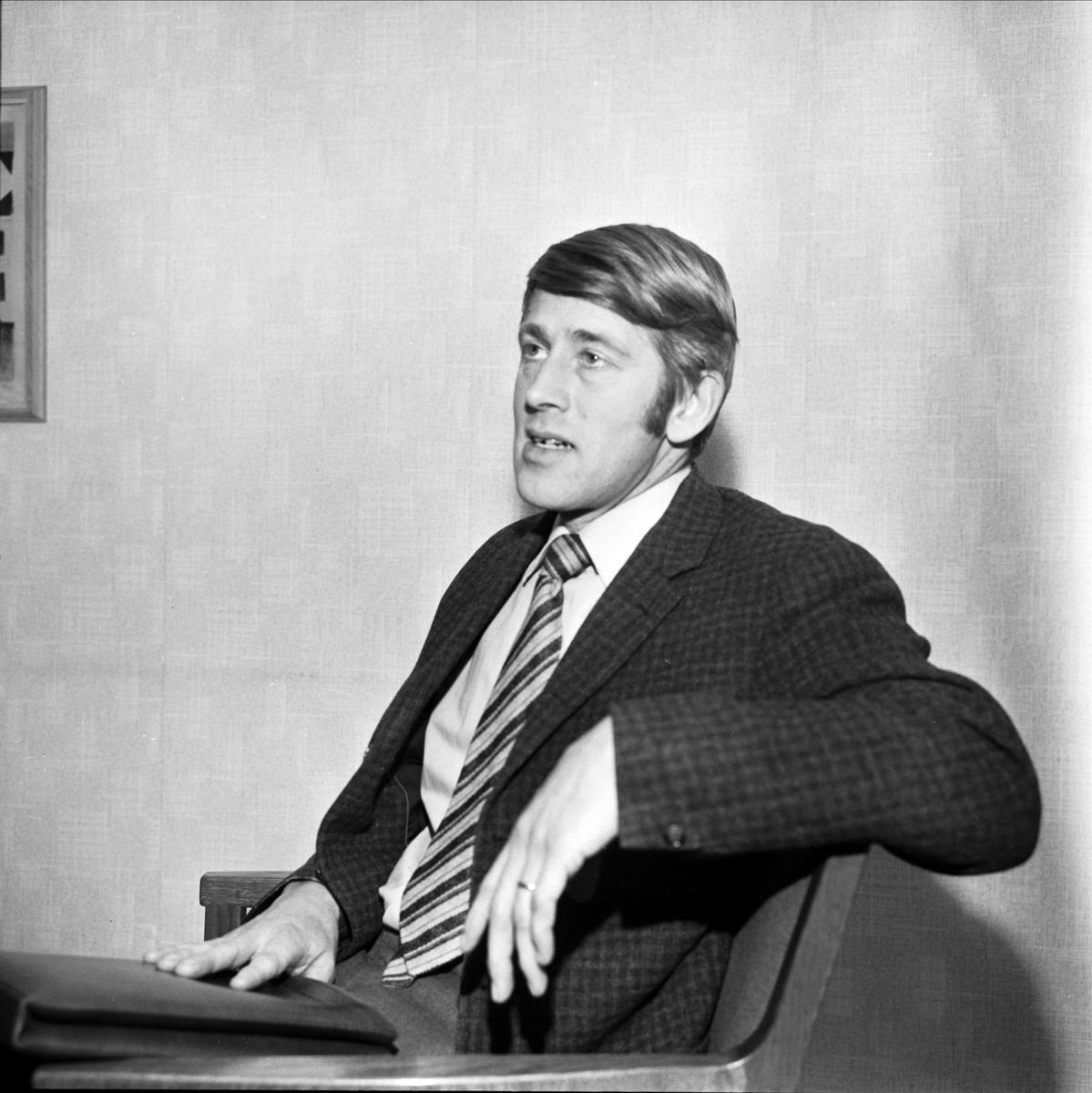 Läkaren Mats Holmer, Söderfors, Uppland 1973