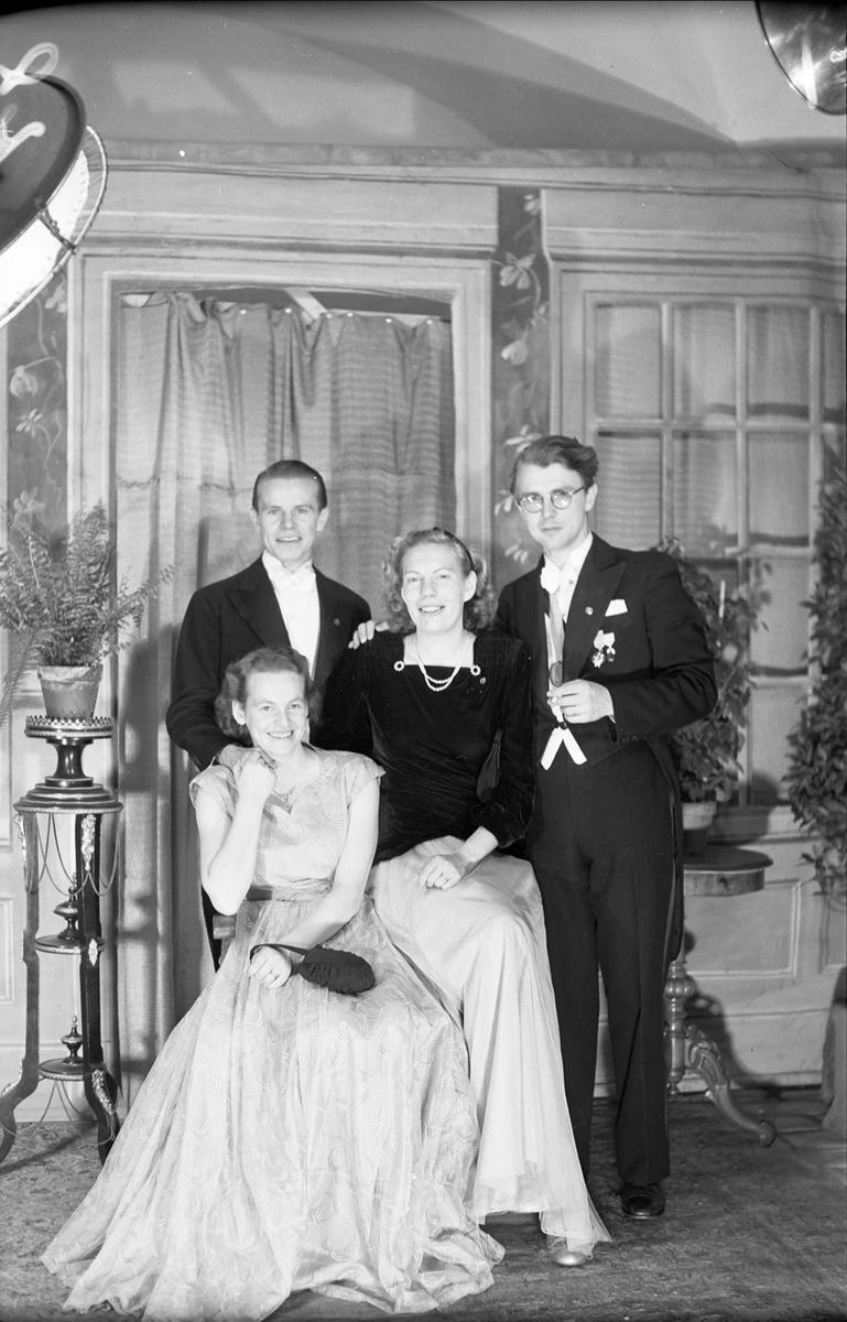 Ateljéporträtt - Svensson och Lindgren, Juvenalorden, Uppsala 1948