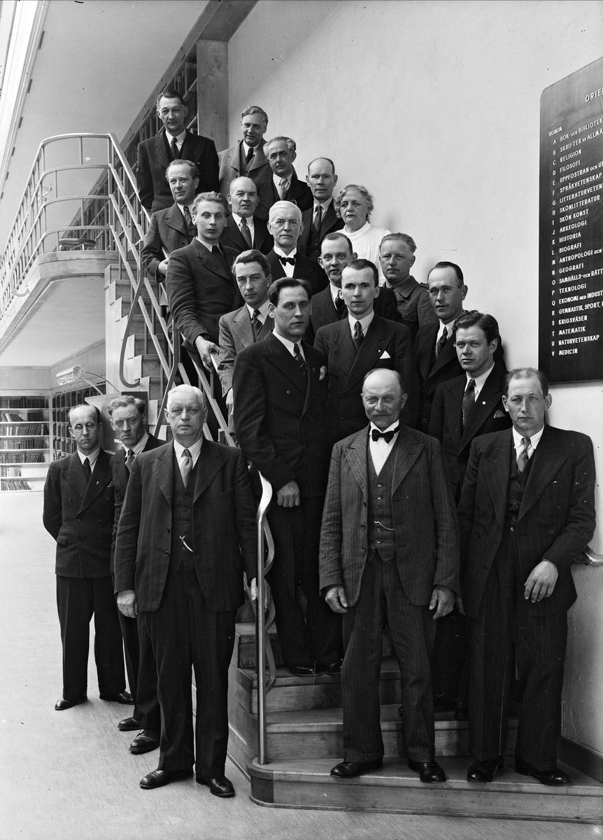 Grupporträtt - studieledarkurs på Uppsala stadsbibliotek, kvarteret Torget, Uppsala 1943