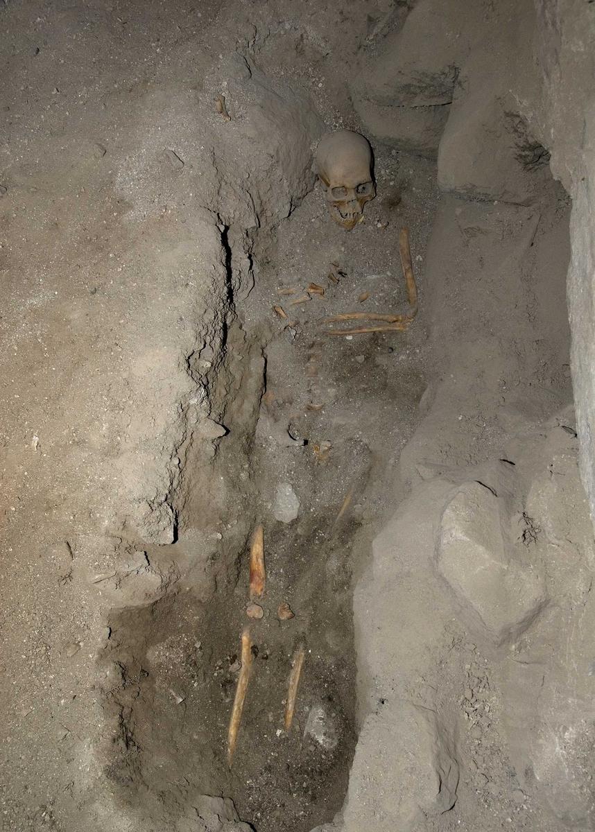 Arkeologisk utgrävning, Bälinge kyrka, Uppland 2008