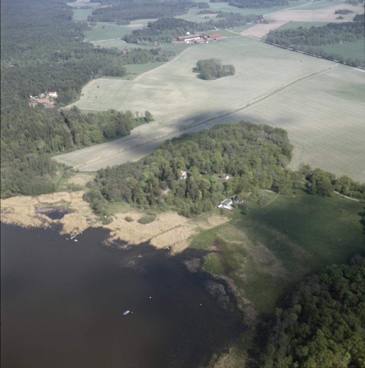 Vy över Ekshagarna vid Mälaren i Alsike socken, Uppland juni 1989