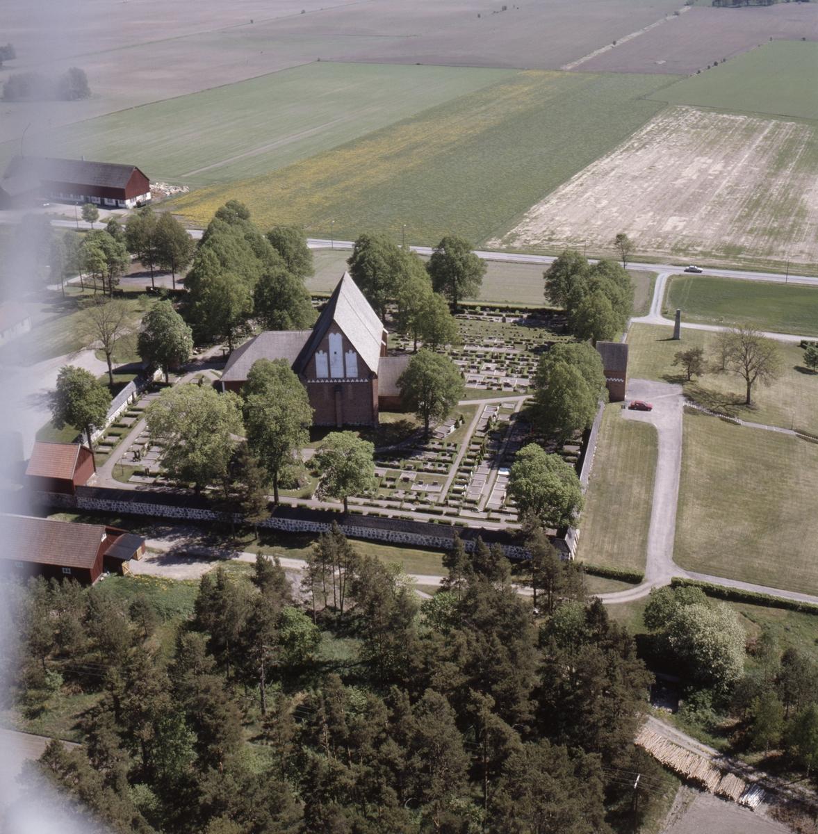 Vy över Vendels kyrka, Vendels socken, Uppland, juni 1989