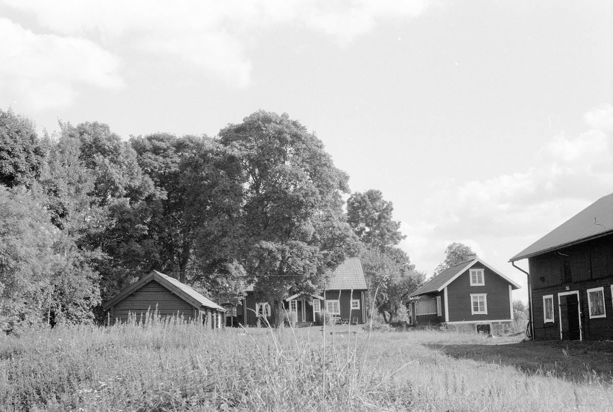 Bodlänga, bostadshus och ladugård, Knutby-Kumla 1:4, Kumla, Knutby socken, Uppland 1987