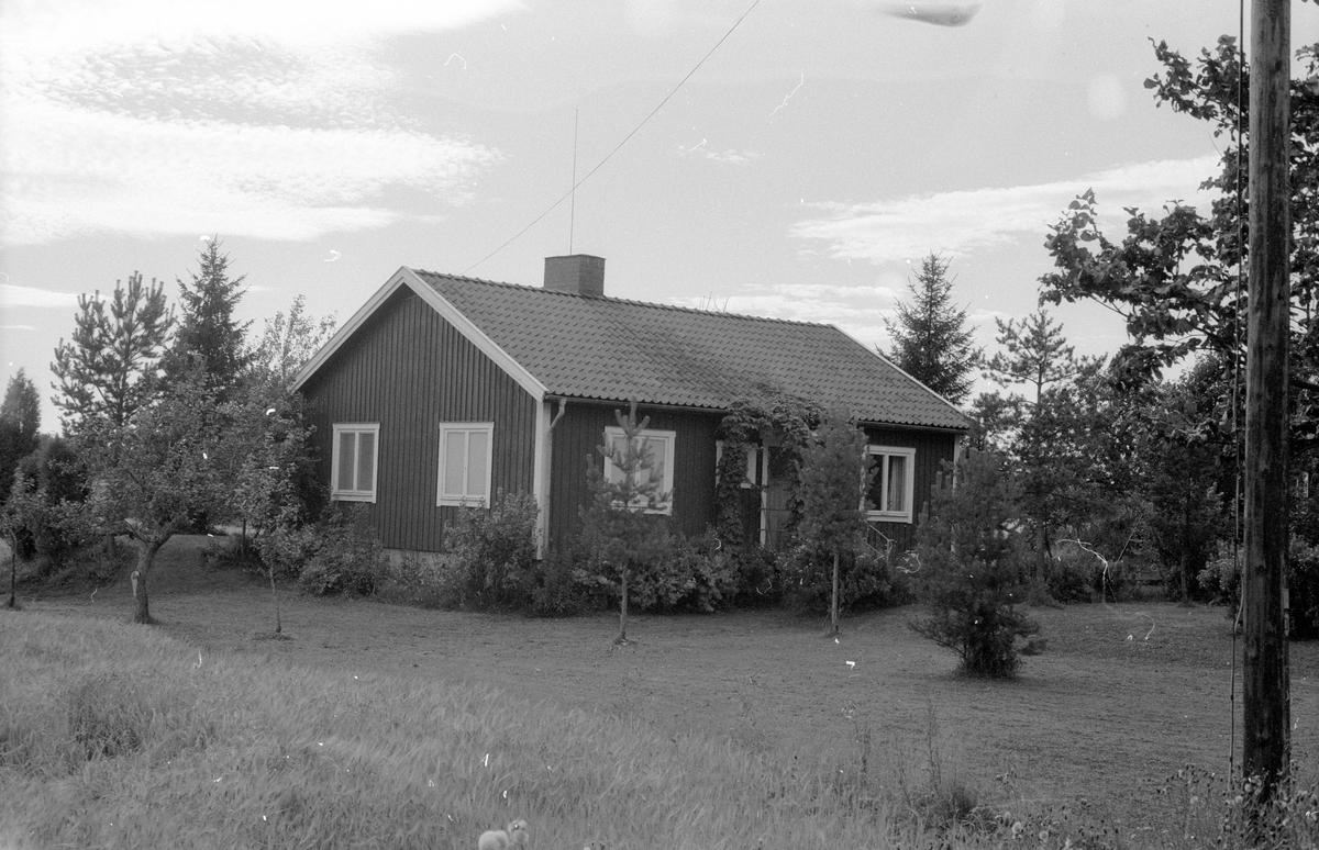 Bostadshus, Knutby-Ösby 1:24, Knutby socken, Uppland 1987