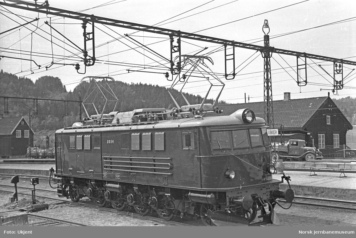 NSB elektrisk lokomotiv type El 8 nr. 2054 : prøvetur til Asker