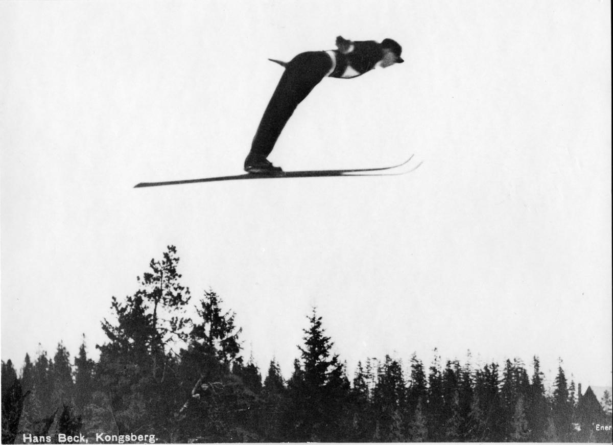 Hans Beck fra KIF i svevet. KIF-ski jumper Hans Beck in action