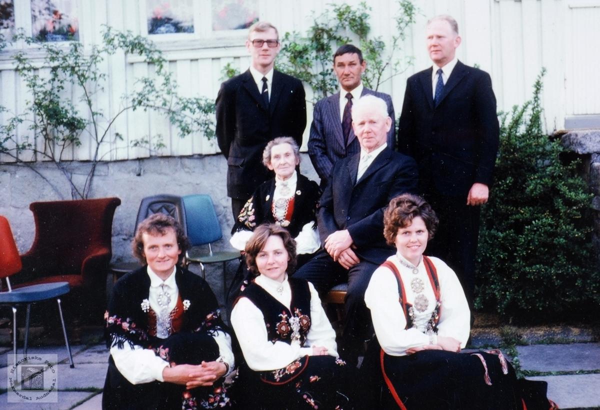 Familiesamling på farfar Søren Seland sin 70 årsdag. Audnedal.