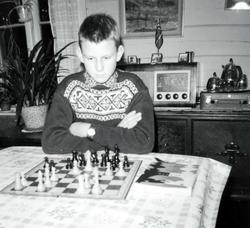 Sjakk er god hjernegymnastikk for Jan Harry Iglebekk. Grindh