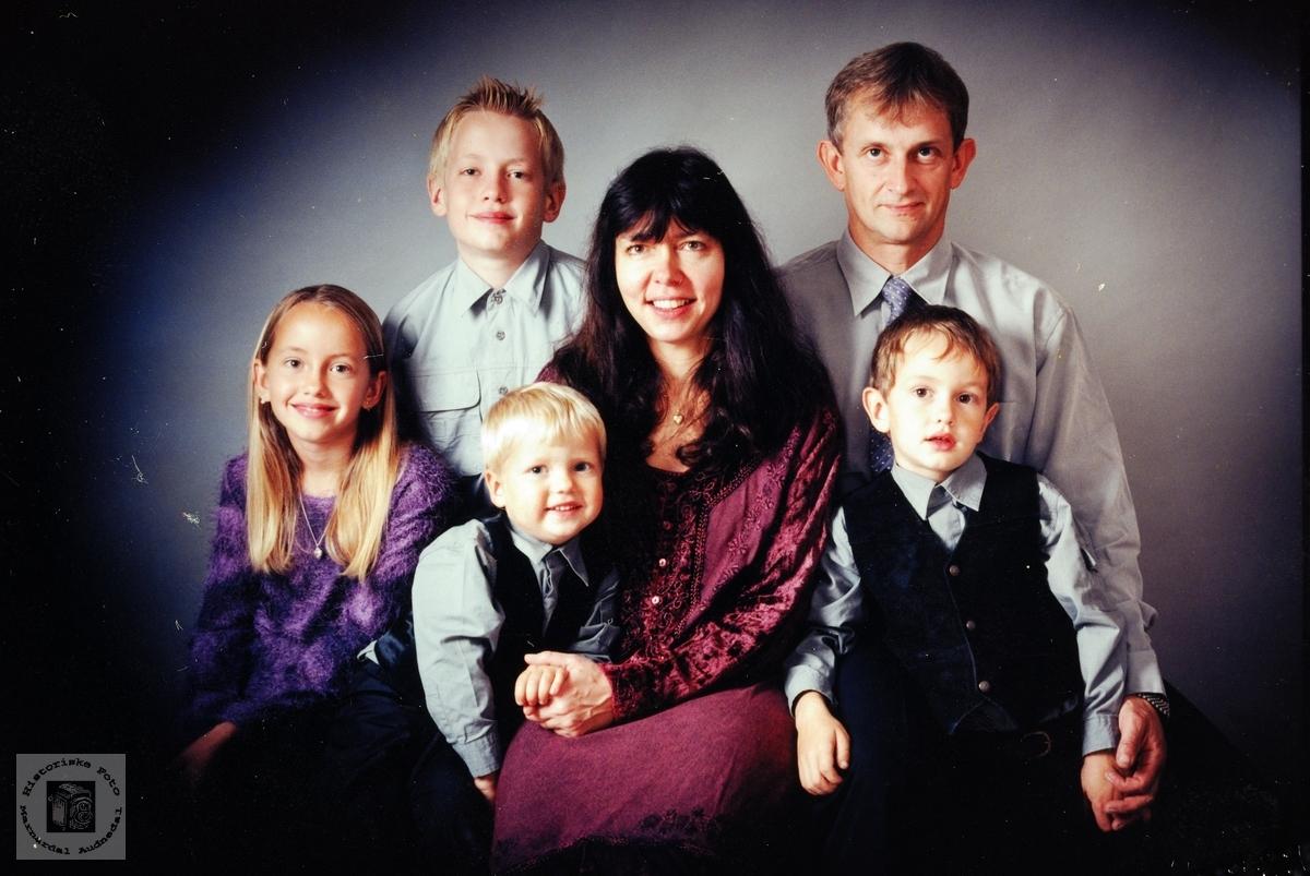 Portrett av familien Solberg. Farsund.