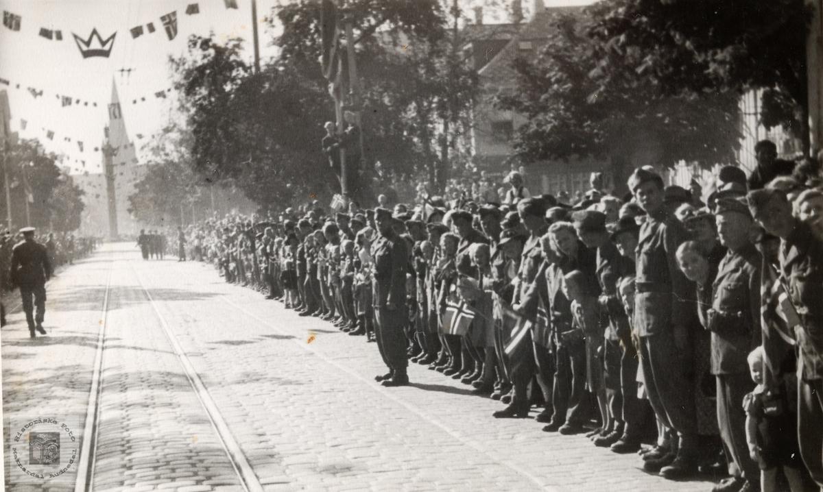 Fredsåret 1945 i Trondheim. Kongebesøket.