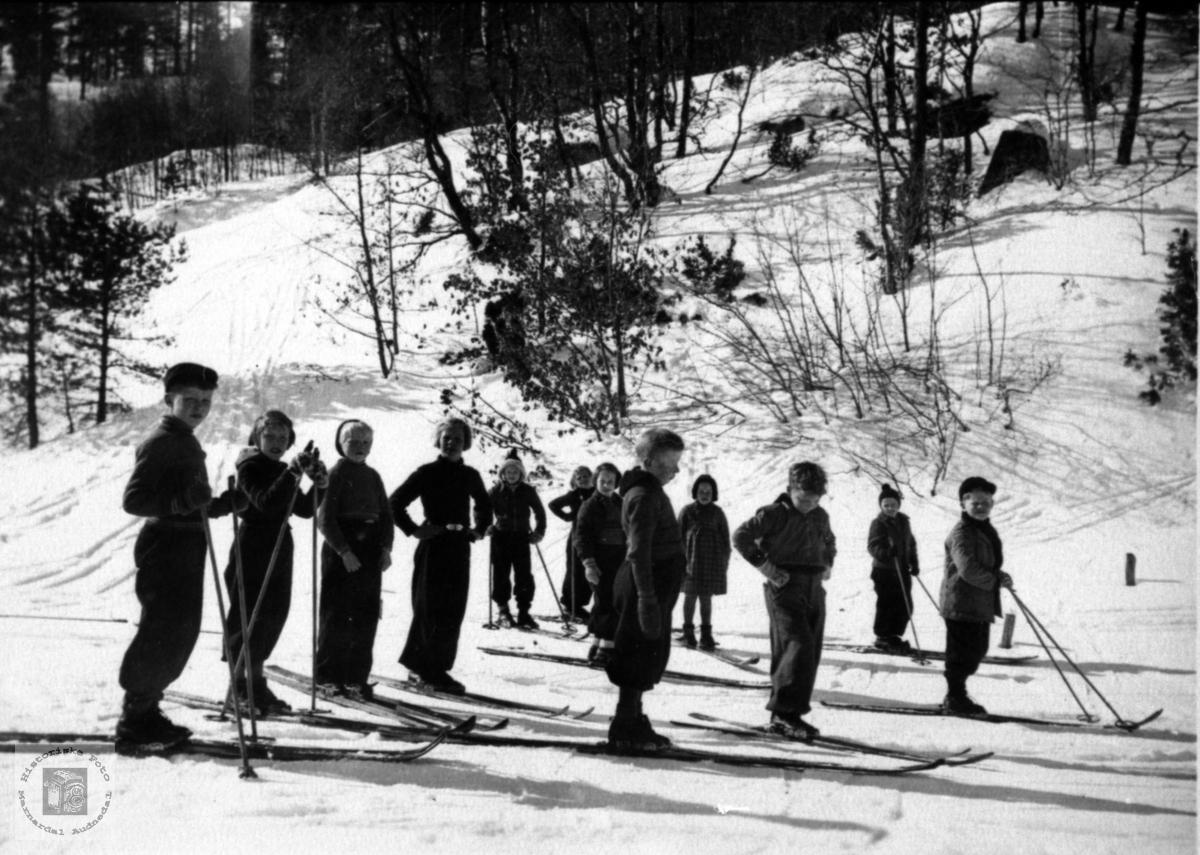 Skoleklasse fra Finsdal skole  på skitur.