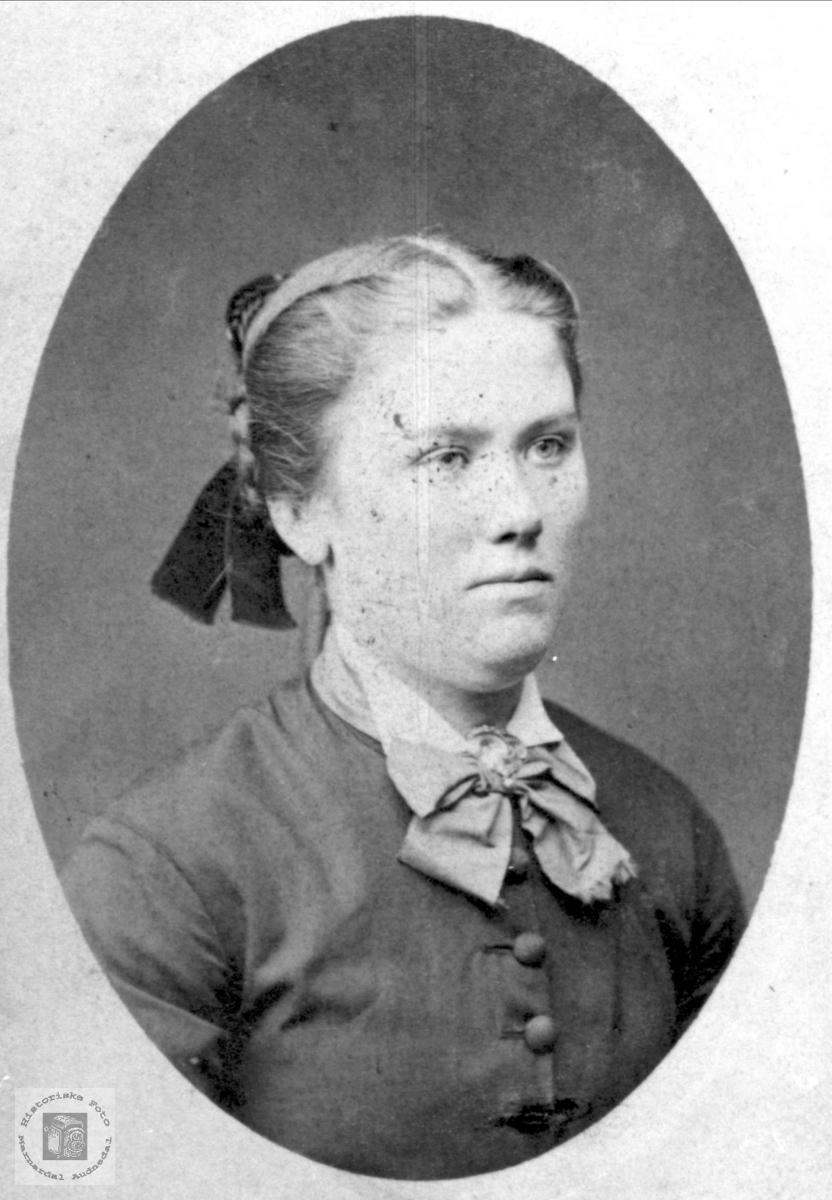 Portrett Anna Tomine (Mina) Nome, Øyslebø.