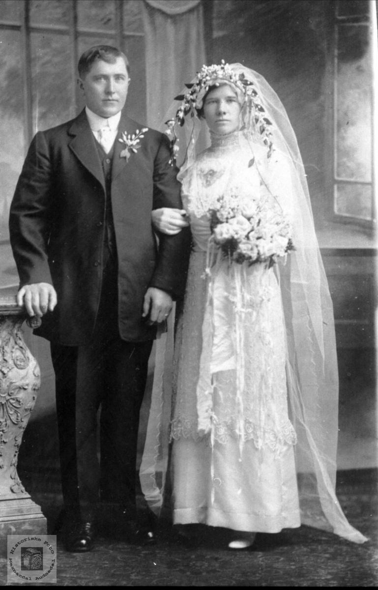 Brudebilde av Åsmund og Marthe Forgard, Bjelland.