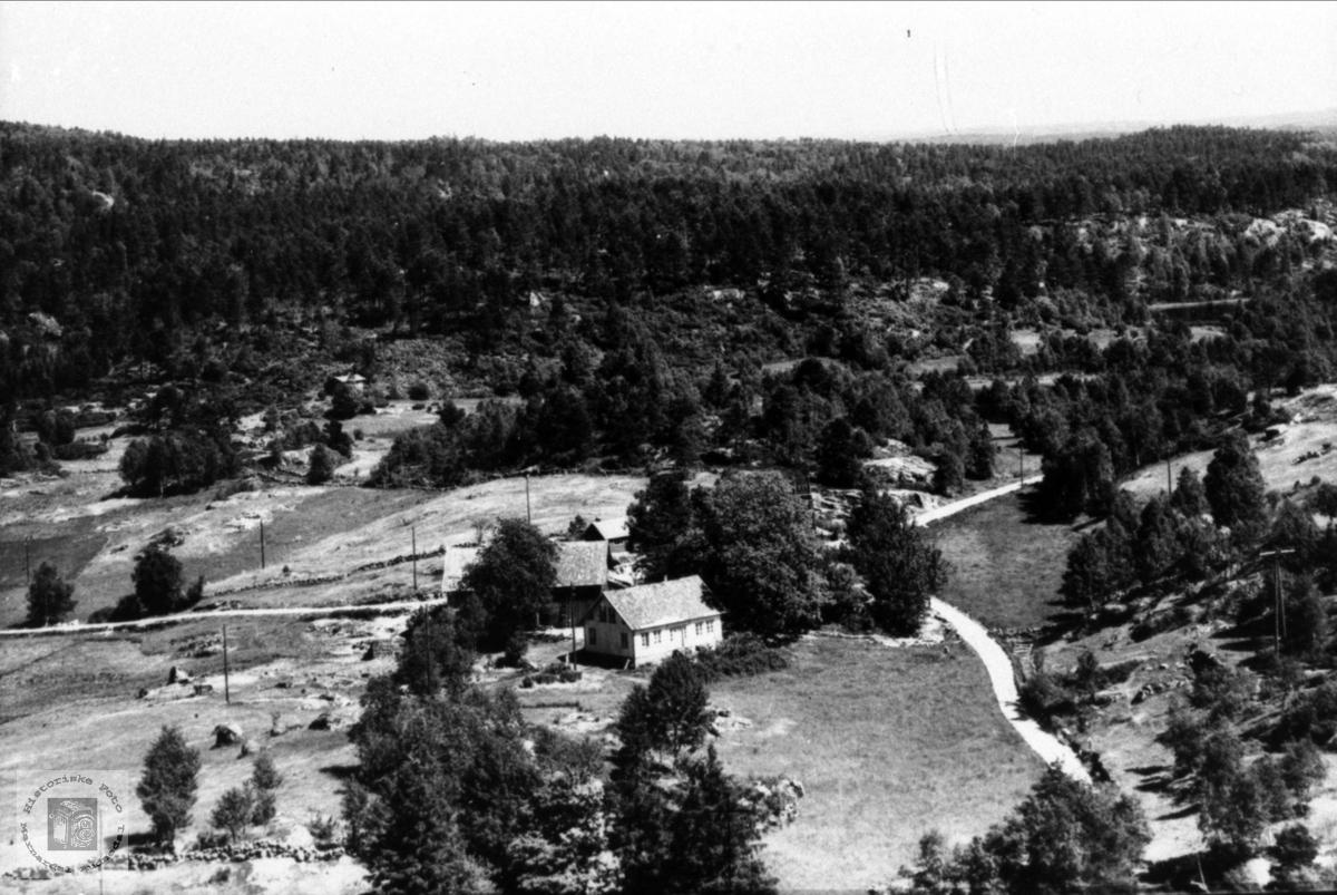 Flyfoto av Grimestad i Øyslebø.