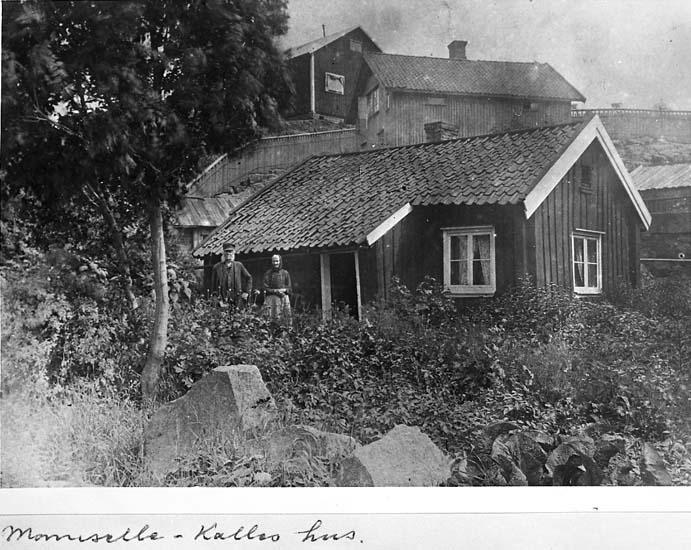 """Text på kortet: """"Mamselle - Kalles hus""""."""