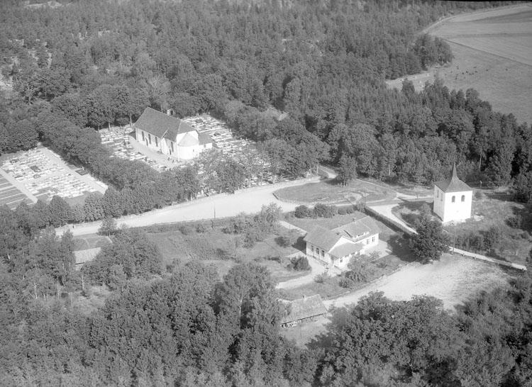 """Enligt AB Flygtrafik Bengtsfors: """"Skee kyrka Bohuslän"""".            ::"""