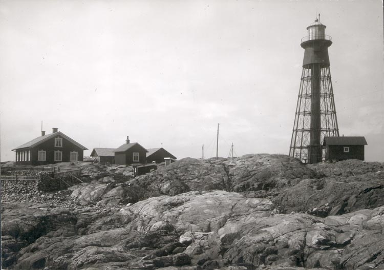 """Noterat på kortet: """"PATER NOSTER (HAMNESKÄR)"""" """"FOTO (C96) DAN SAMUELSON 1924. KÖPT AV DENS. DEC. 1958""""."""