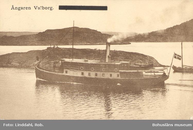 """Tryckt text på kortet: """"Ångaren Valborg"""". Noterat på kortet: """"Lyckorna""""."""