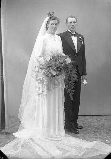 """Enligt fotografens journal nr 6 1930-1943: """"Abrahamsson, Erik Lalleröd Nösund""""."""