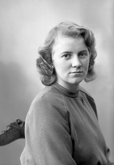 "Enligt fotografens journal nr 7 1944-1950: ""Johansson, Norma adr. Thoréns""."