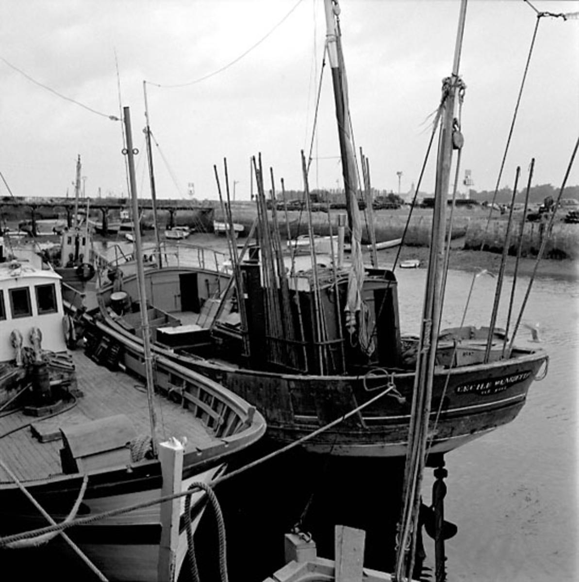 10. Frankrike. Fotojournal finns på B.M.A. + fotoalbum. Samtidigt förvärv: Böcker och arkivmaterial. Foton tagna 1959-10-17. 12 Bilder i serie.