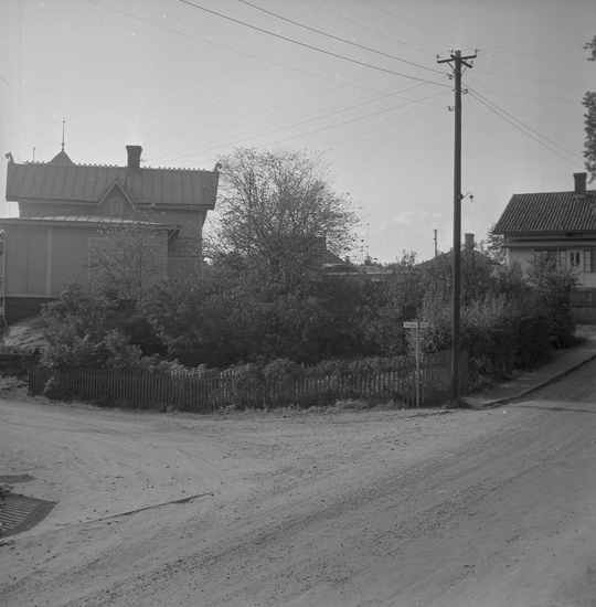 """Text till bilden: """"Tomt. Kyrkevik. Dir. R. Segermark, Sveavägen 34 Stockholm. 1955"""""""