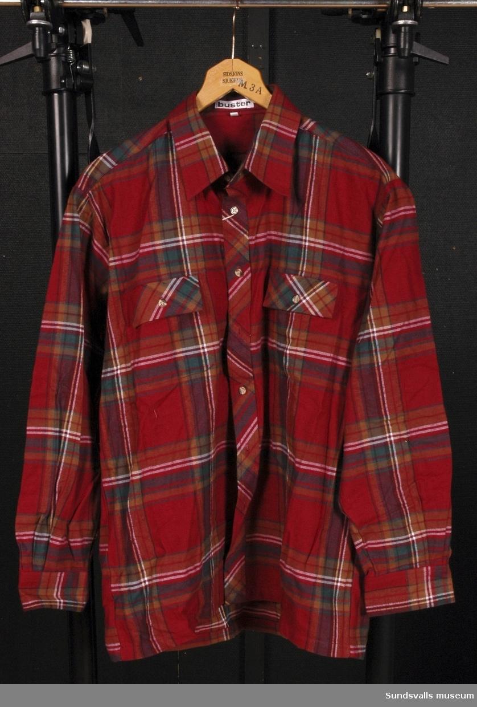 Röd-rutig arbetsskjorta i stl. 41-42