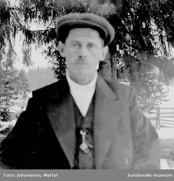 Frans Vejderman från Attmar sn. Senare bosatt i Örebro. Stor bussbilägare där enligt uppgifter från I.M.