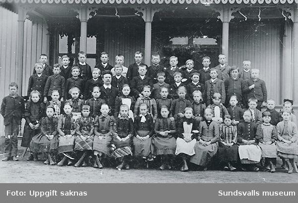 Skolklass vid Heffners skola.