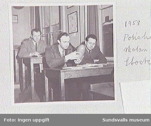 I skolbänken på Polishögskolan i Stockholm.