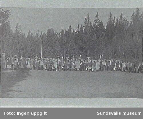 Sundsvallsflickan Elin f 1906, på skolutflykt.