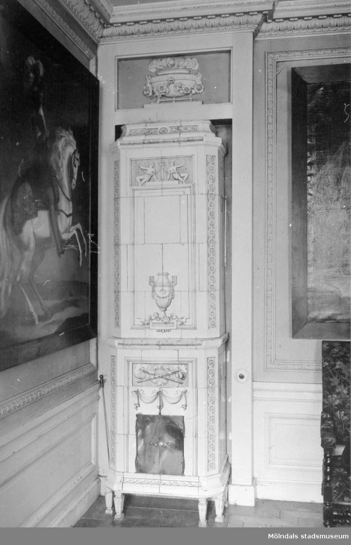 Kakelugn i fru Halls (Christina Hall, 1749–1825) sängkammare. Gunnebo slott 1930-tal.