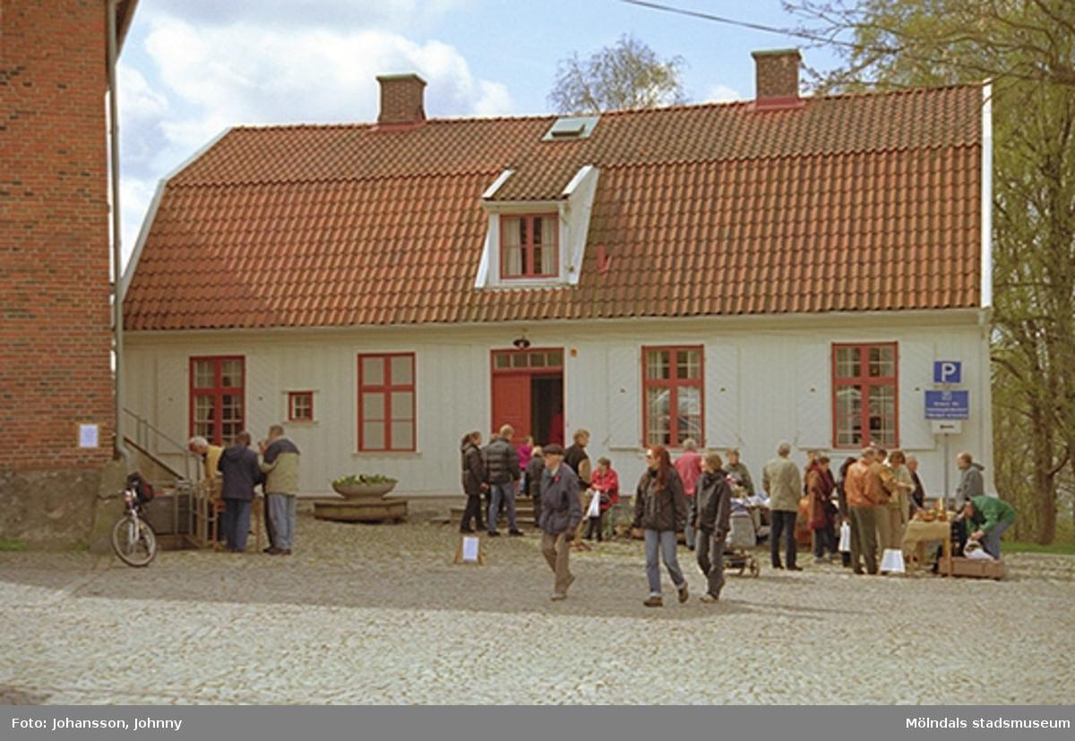 Försäljning vid Mölndals hembygdsförening.