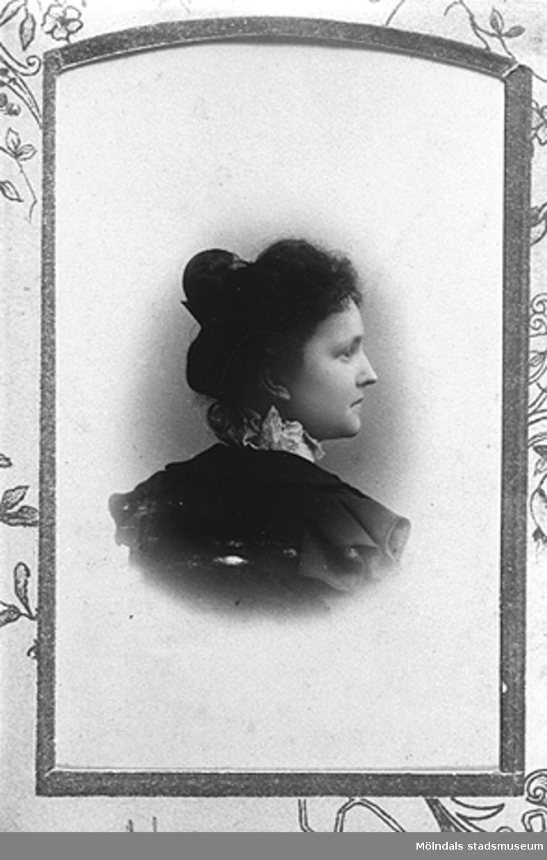1890-talet. Nora Westerberg. Nora är mormor till givaren Karin Hansson f Pettersson.