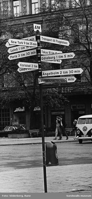 Reklamskylt för Linjeflyg vid Storgatan.