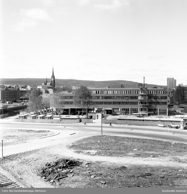 Slutspurten på bygget av SCA:s huvudkontor vid Sundsvalls norra utfart.