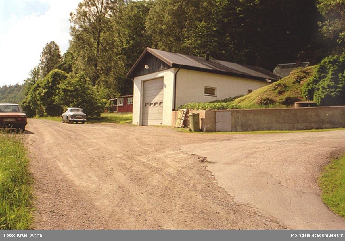 Inseros 1:77. Garage mot sydost.