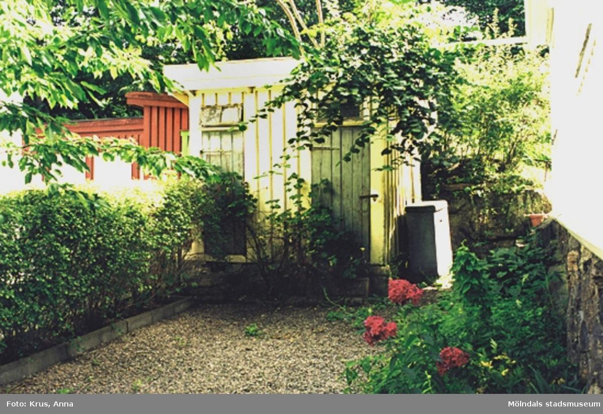 Ett uthus i Kvarnbyn.