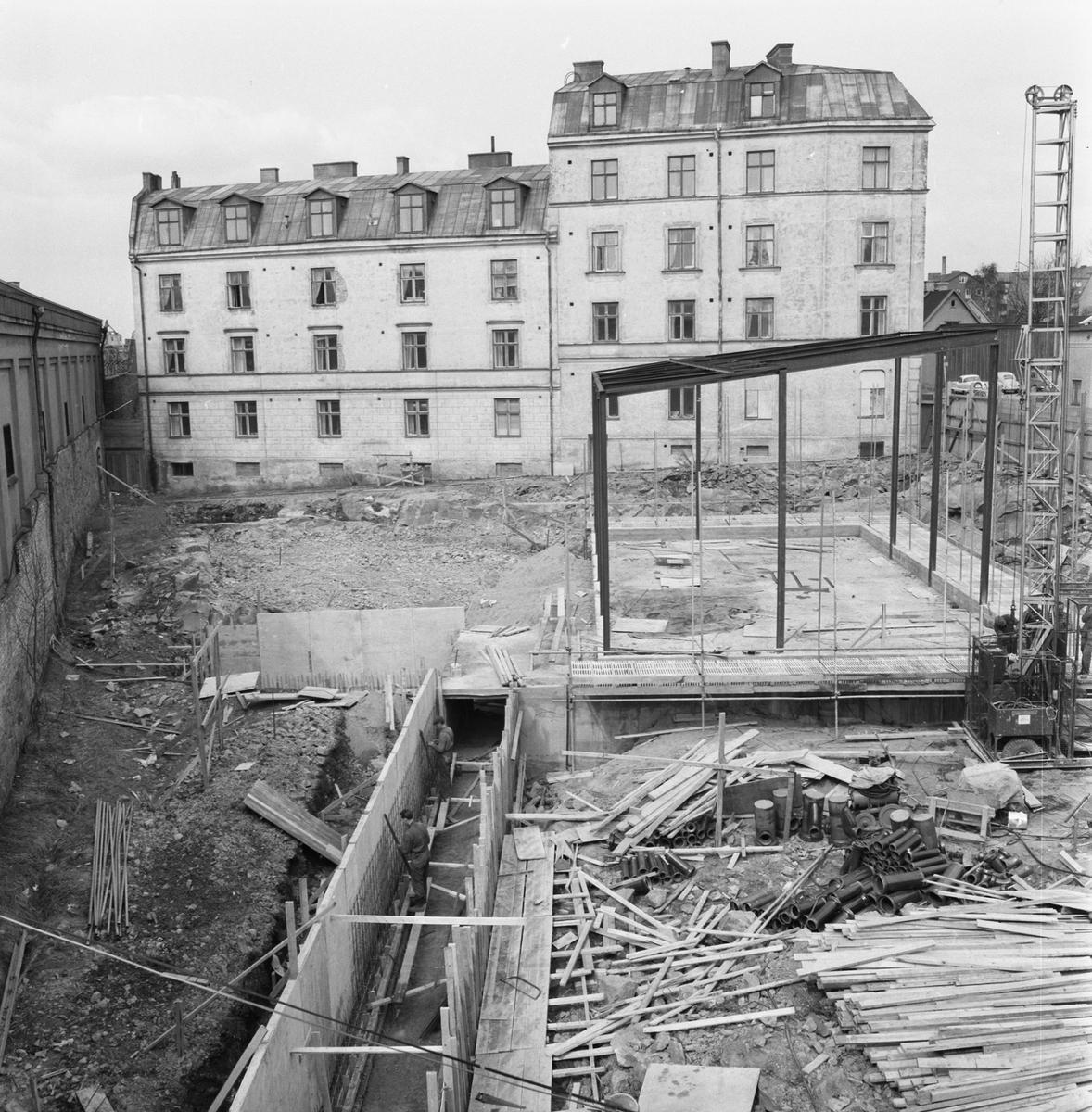 Övrigt: Fotodatum:26/4 1963 Byggnader och Kranar. Nyb. området. Baggagården, bygge av kraftcentral och plåtverkstan.
