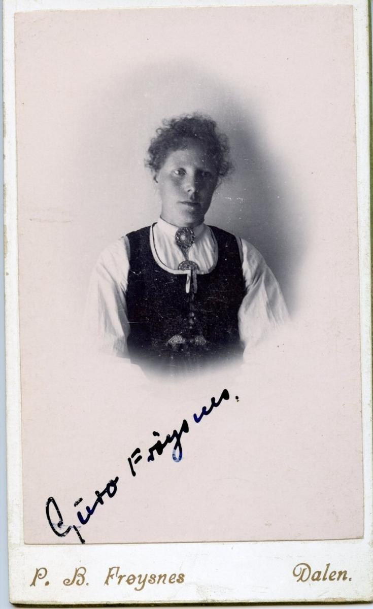 Portrett av Guro Frøysnes