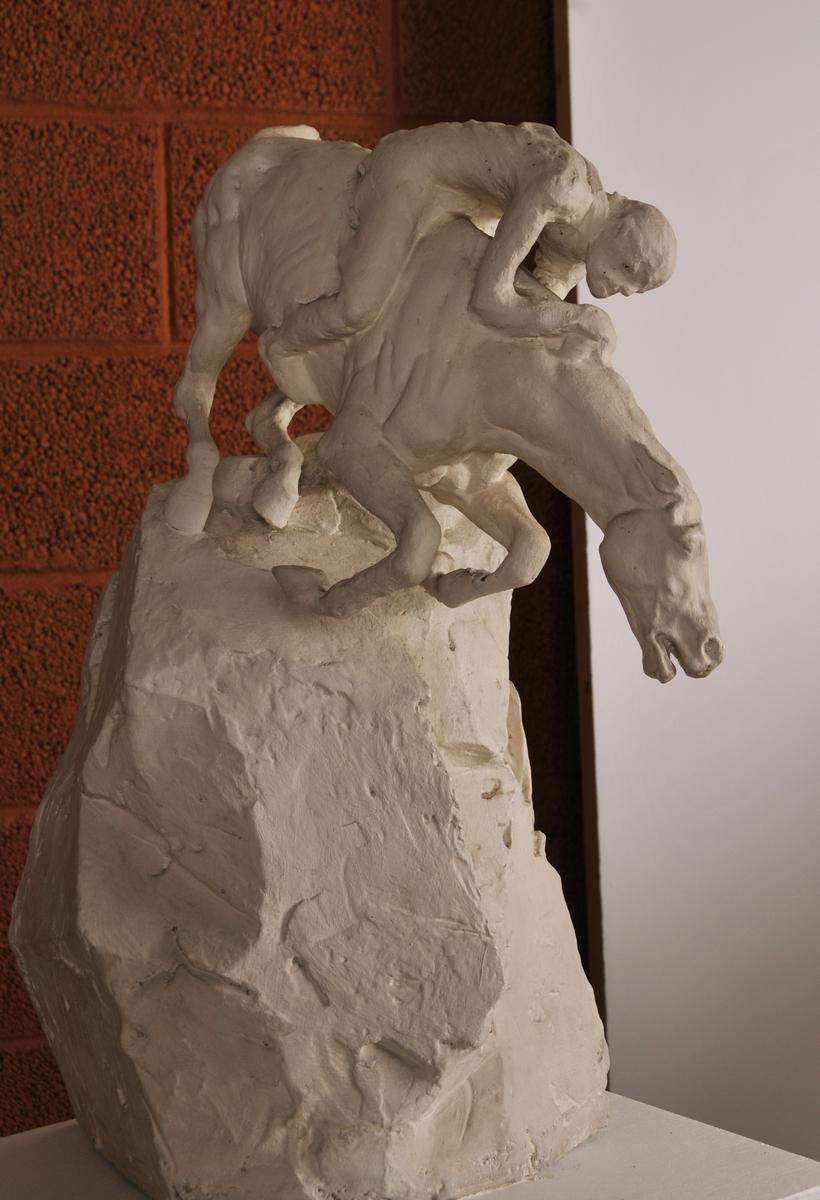 """Hest og ryttar. Utkast til """" Helferd"""". Motivet er henta frå norrøn mytologi, Balder på veg til Hel over Gjallarbrui."""