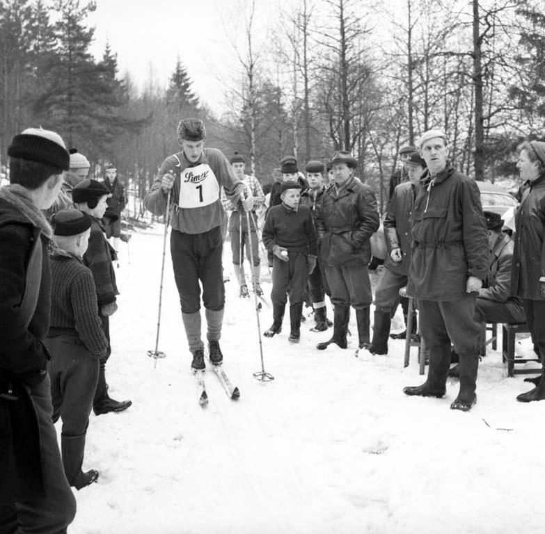 "Enligt notering: ""Skidtävling 24/1 1960""."