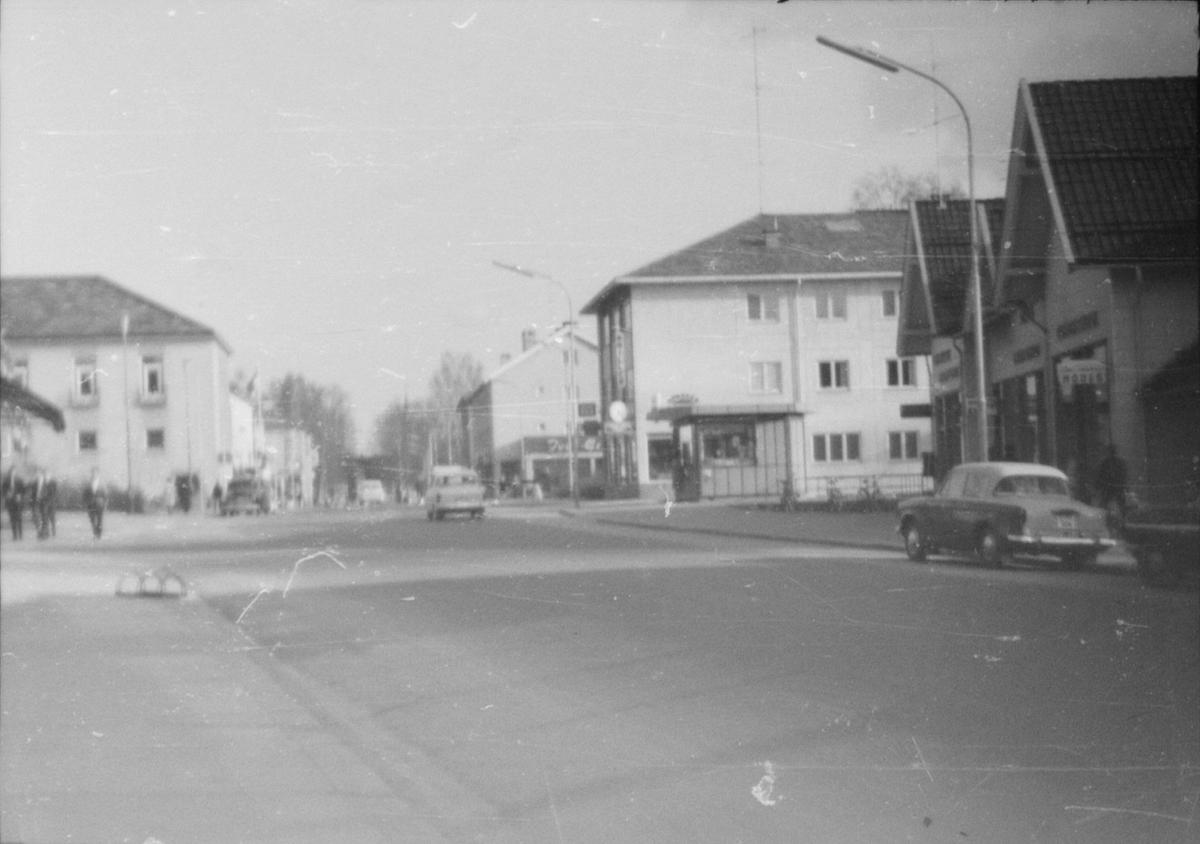17. mai. Elverum.  1964. Storgata.