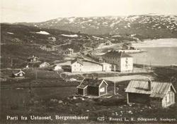 Tettstad, Ustaoset Hotell, hytter, Bergensbanen, jernbanetas