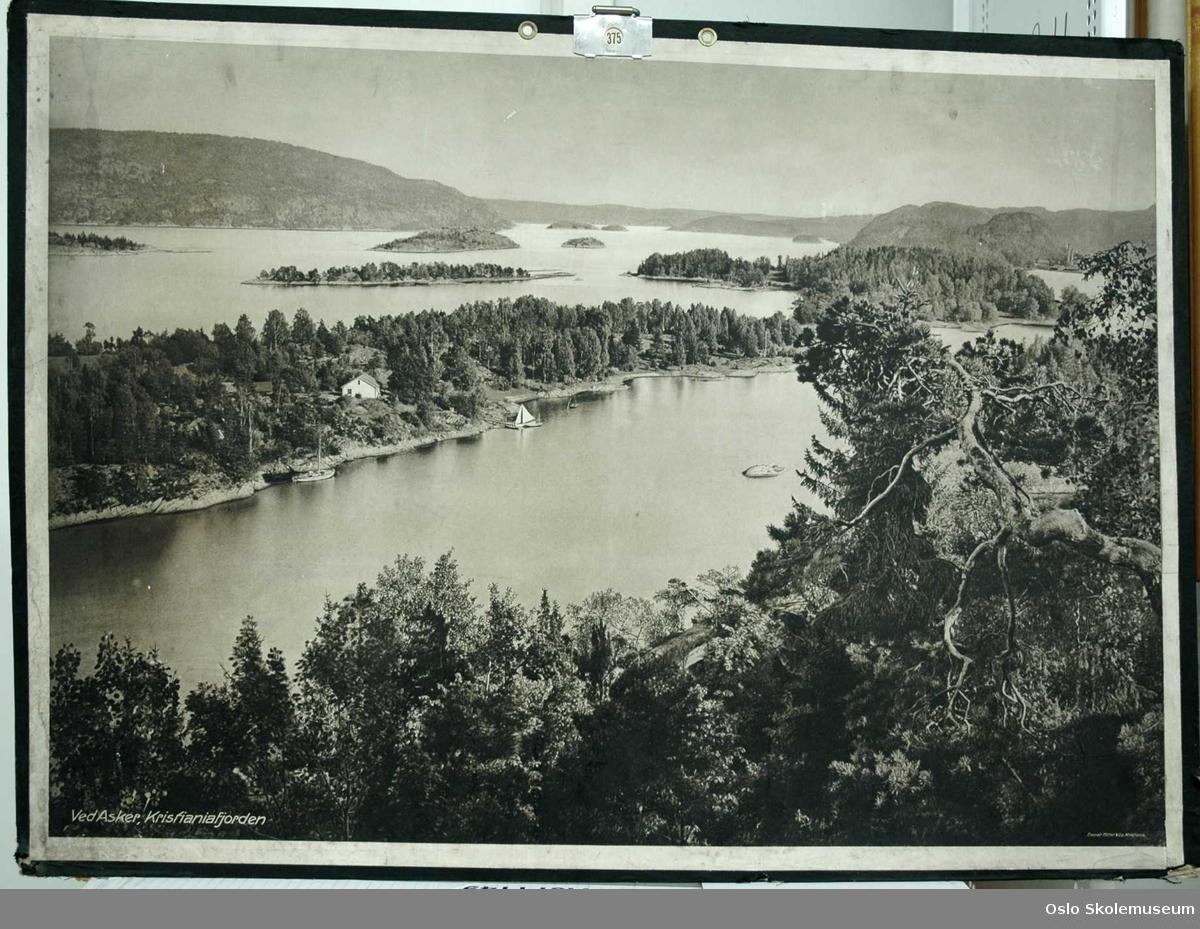 Foto av Kristianiafjorden ved Asker.