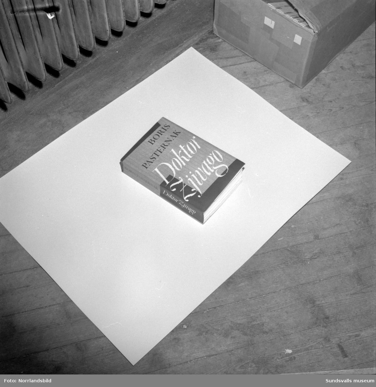 """Boken """"Diktor Zjivago"""" av Boris Pasternak. Fotograferat för Dagbladet."""