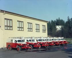 Brannbiler ved Smestad brannstasjon.