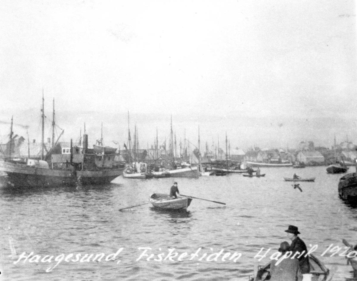 Båter - sildefiske - havnen